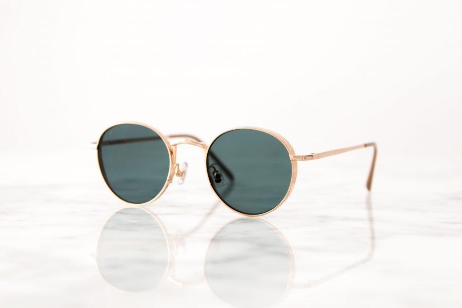 Hier moet je op letten wanneer je een nieuwe zonnebril gaat kopen!